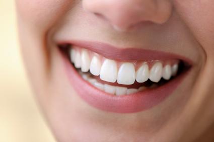 http://swansonhealthcenter.com/wp-content/uploads/2011/10/gum-disease.jpg